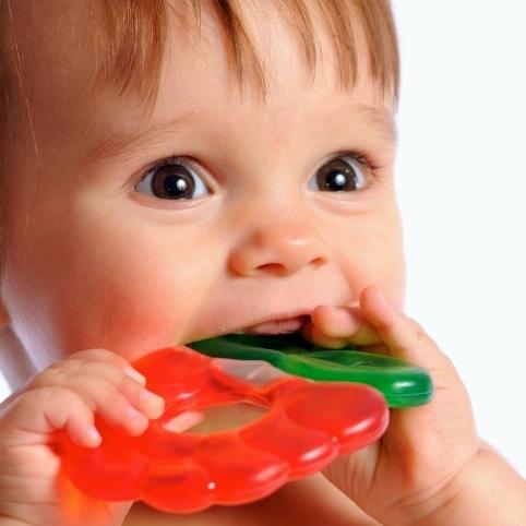 Los bebés en dentición no necesitan medicamentos para las encías