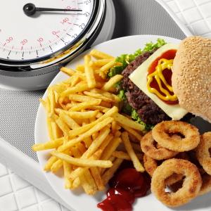 ¿Sabes cuántas calorías tiene esa comida rápida?