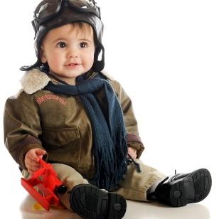 10 consejos para viajar en avión con tu bebé