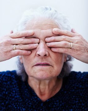 Algunos medicamentos para el tratamiento de la osteoporosis pueden dañar la vista