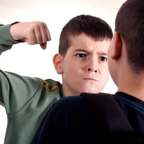 El descuido por los padres crea adolescentes violentos