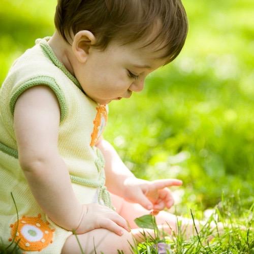 ¿Puedes ponerle repelente de insectos a tu bebé?