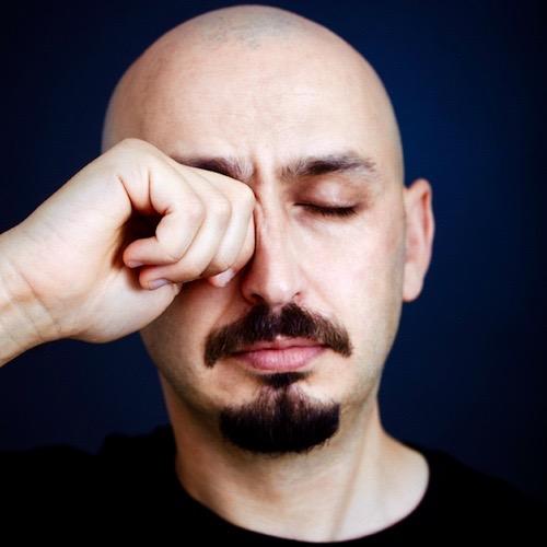 Las alergias también afectan a los ojos. Aprende a evitarlas y a tratarlas