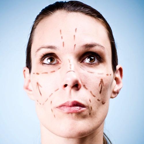 ¿Qué es un estiramiento facial?