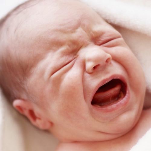 ¡Emergencia médica! 6 síntomas peligrosos en tu bebé