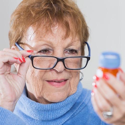 Mitos y verdades sobre el efecto de los medicamentos en los mayores