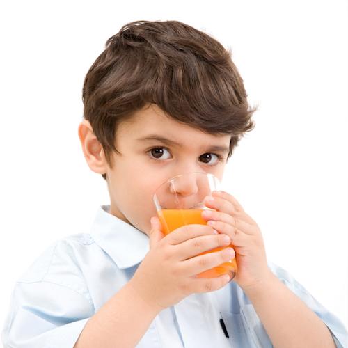 ¿Cuáles son las vitaminas que necesitan los niños para estar sanos?