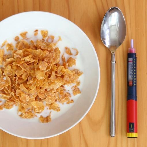¿Es necesario esperar para comer después de inyectarte insulina?